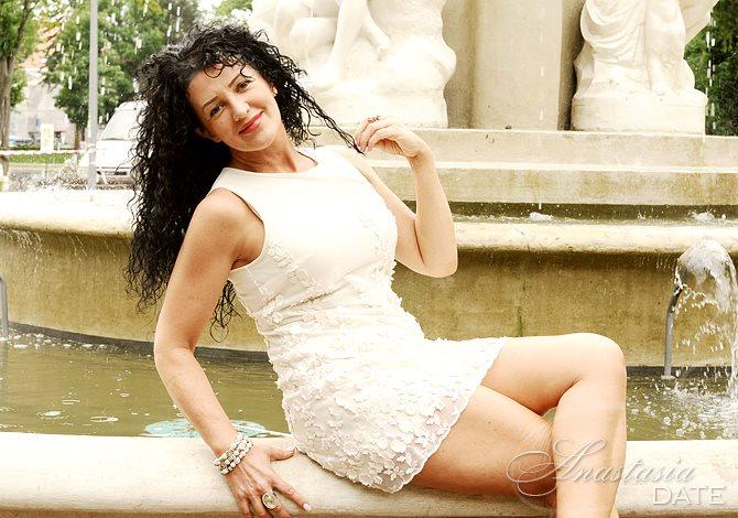 Rumanian glamour pics, video porno de bridget marquardt